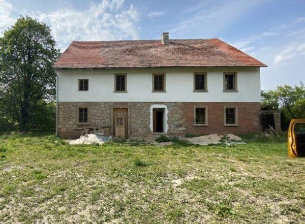 Ein Bauernhaus zu verlieben in Klein Röhrsdorf (poln. Golejów), Kreis Löwenberg, Niederschlesien